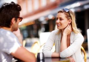 Ein Blinddate muss nicht immer fremdorganisiert sein. Triff dich mit einem Kontakt aus deiner Singlebörse, den du unbedingt live kennenlernen musst und genieße das Gefühl endlich vor ihm/ihr zu stehen.