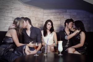 Werde aktiv bei Bildkontakte! Hier kannst du deinem Singledasein ein Ende bereiten und musst endlich nicht mehr eifersüchtig zwischen küssenden Paaren in Kinos und Bars sitzen.
