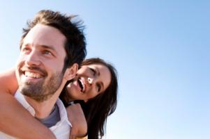 Chatte mit spannenden Singles, tausch dich aus, flirte was das Zeug hält und plötzlich ist sie zum Greifen nah: deine Traumbeziehung!